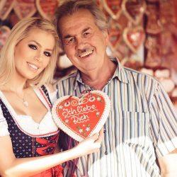 Walter mit Frau und Lebkuchenherz